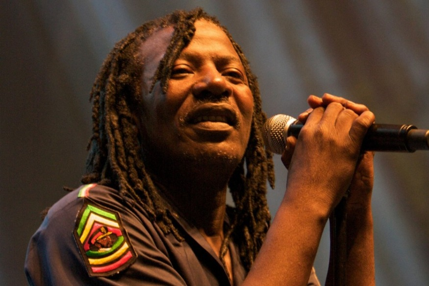 ALPHA BLONDY: SON MESSAGE AVANT SON DEPART POUR LA MECQUE